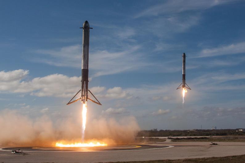 پرتاب موفقیت آمیز موشک فالکون هوی